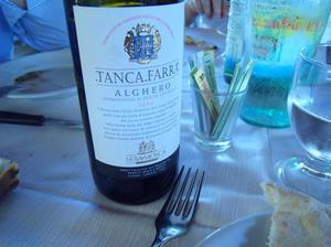 Vino_tanca_farra
