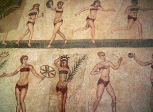 donne in bikini